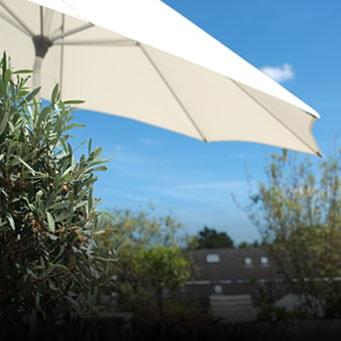 Happy Garden: Mobilier de jardin, Trampoline, spa gonflable