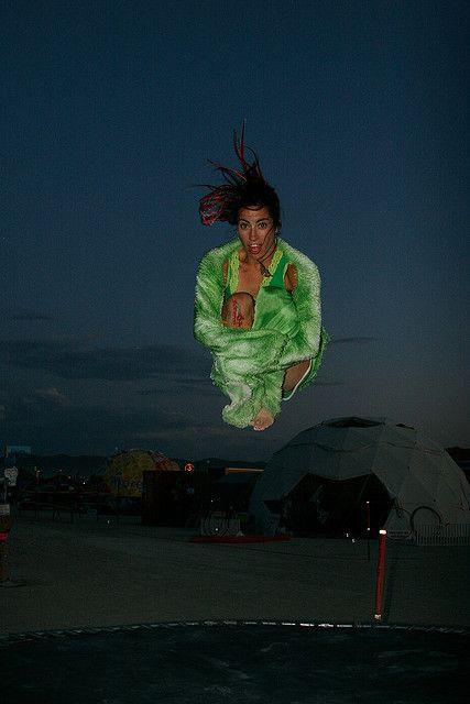 saut groupé trampoline