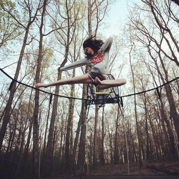 saut karaté trampoline